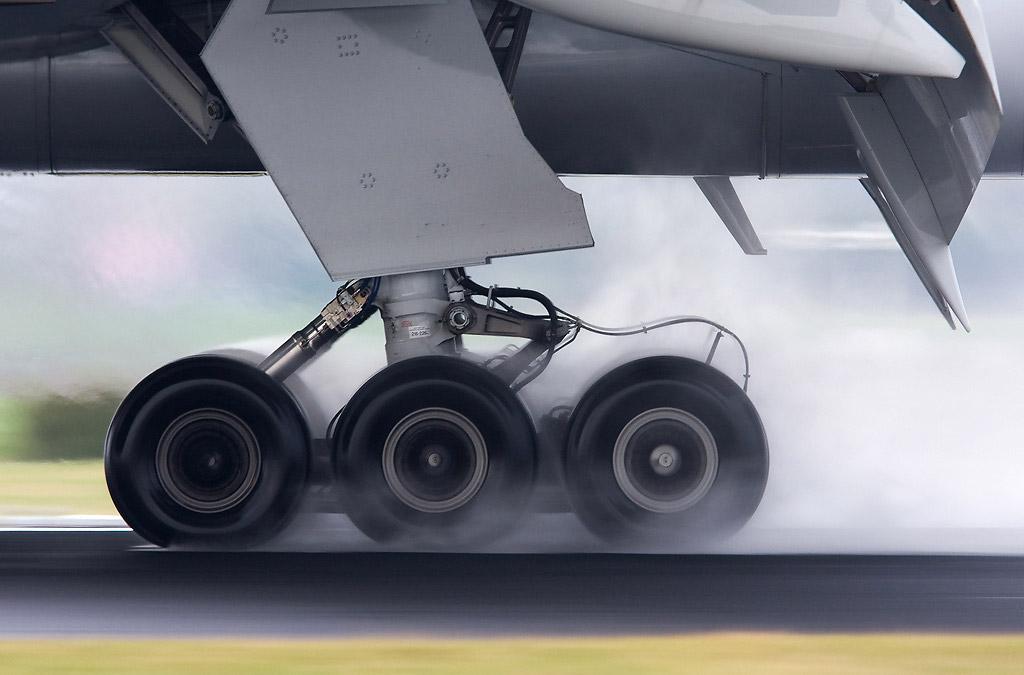 landing-gear-pavement